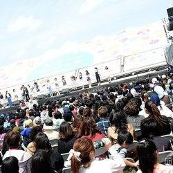 「島ぜんぶでおーきな祭 第7回沖縄国際映画祭」で行われた「ちゅらイイGIRLS UP!ステージ」会場の様子