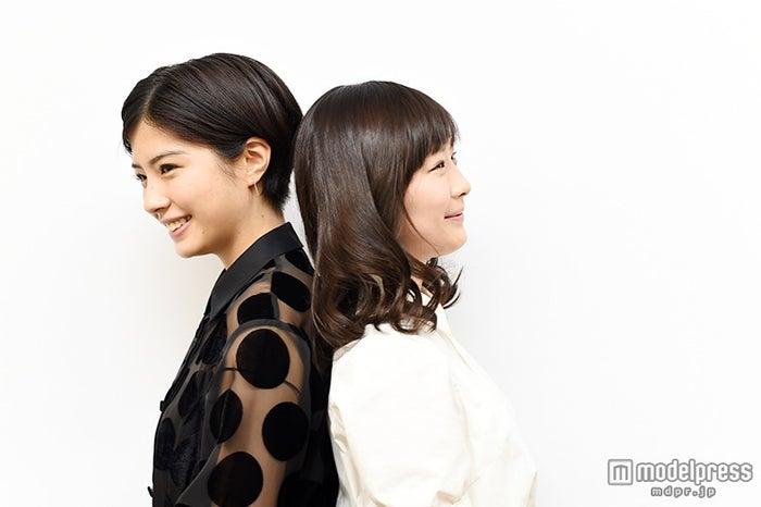 (左から)佐久間由衣、伊藤沙莉