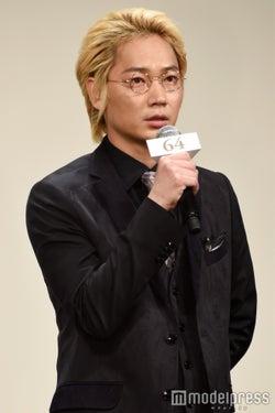 綾野剛(C)モデルプレス