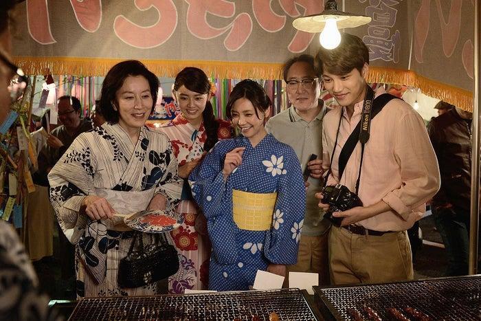 (左より)高畑淳子、古畑星夏、倉科カナ、佐野史郎、カイ(提供写真)