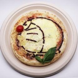 大阪「THE ドラえもん展 カフェ」コラボメニュー決定、ピザやスイーツも可愛いキャラ仕様