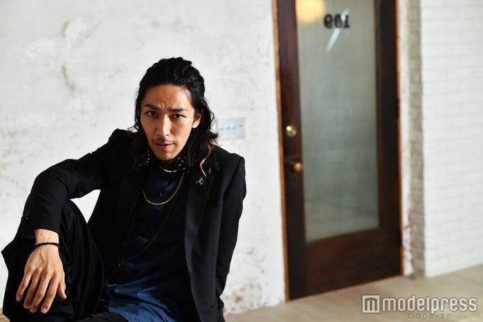 "TAKAHIRO(上野隆博)の活躍を支える""体作り""女性に役立つスタイルキープ法も/(C)モデルプレス"