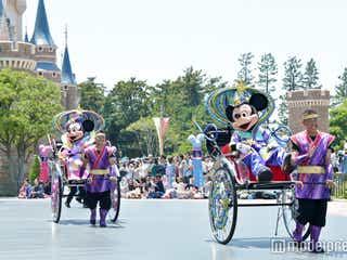 ディズニーの七夕開幕 ミッキー&ミニーが新コスチュームでグリーティング