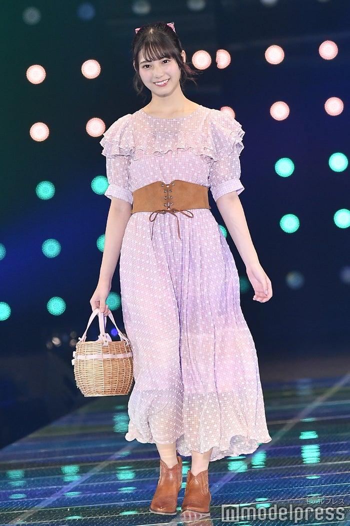 「マイナビ presents 第28回 東京ガールズコレクション 2019 SPRING/SUMMER」に出演した小坂菜緒(C)モデルプレス