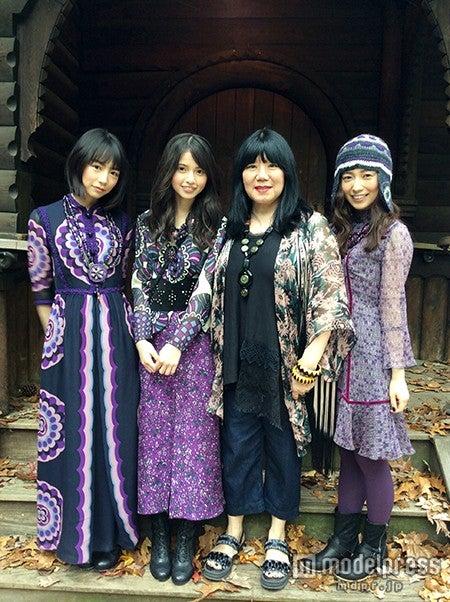左から:北野日奈子、齋藤飛鳥、アナ・スイ、斉藤優里/ニューヨーク撮影時のオフショット