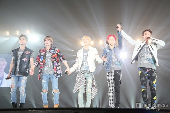 「SHINee WORLD 2014~I'm Your Boy~ Special Edition in TOKYO DOME」で10万人を動員したSHINee【モデルプレス】