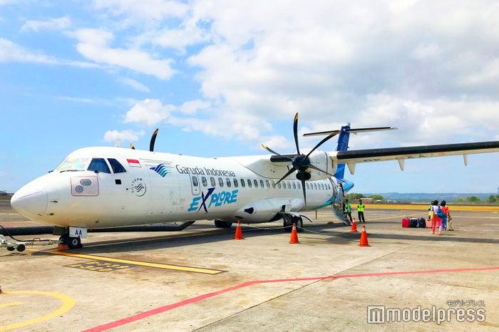 フローレス島へはかわいいプロペラ機でのフライト/画像提供:ガルーダ・インドネシア航空