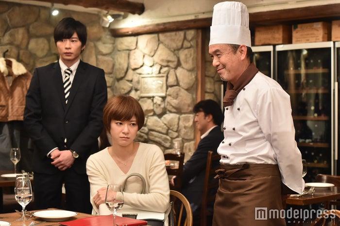 田中圭、上野樹里「家族ノカタチ」第4話場面カット/画像提供:TBS
