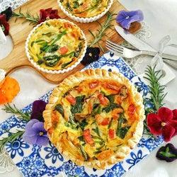 洋風×ほうれん草のレシピで普段と違った食卓に。主菜〜副菜まで簡単料理をご提案