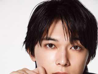 吉沢 亮が纏うディオールの新作リップバームの魅力