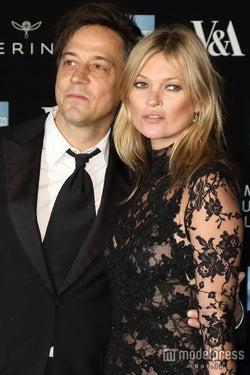 離婚の噂があるケイト・モス、理想の結婚相手を明かす