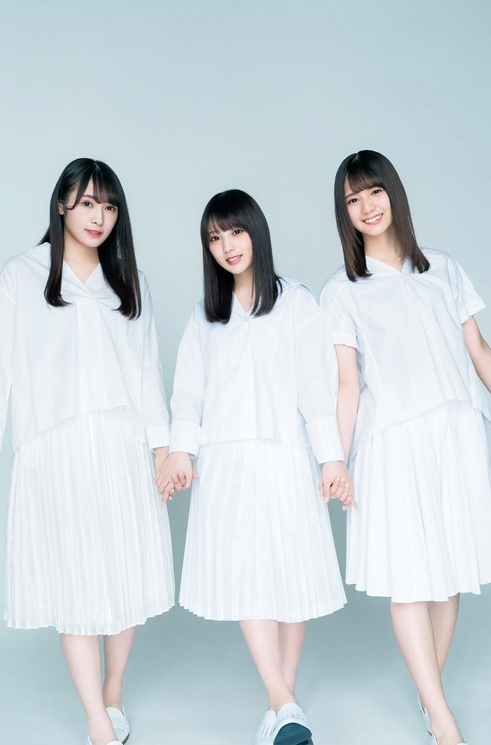 (左から)渡辺梨加、与田祐希、小坂菜緒(C) Takeo Dec.、YOROKOBI/集英社