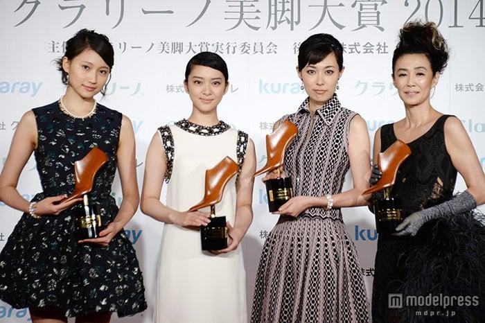 (左から)大野いと、武井咲、吹石一恵、萬田久子
