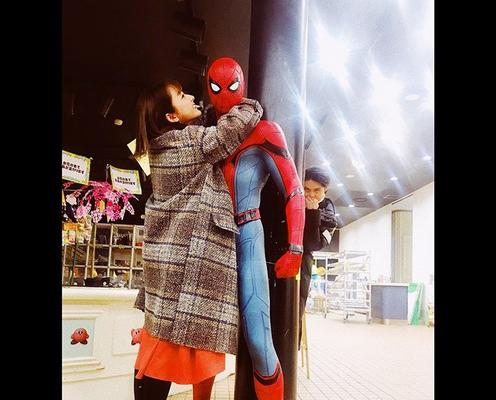 磯村勇斗がスパイダーマンに嫉妬!?平祐奈とのオフショットに反響「勇斗くん鬼可愛い」