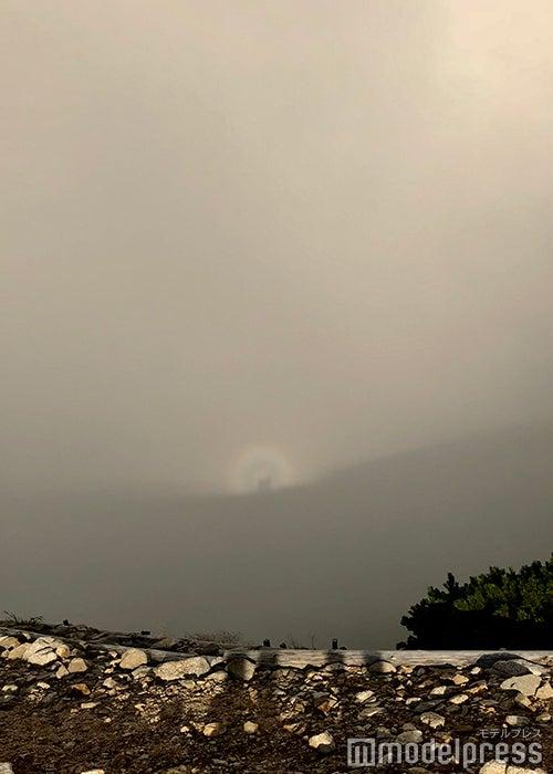急な霧に覆われるブロッケン現象出現(C)ビューティーガール