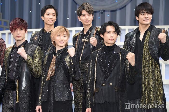 SixTONES(前列左から)ジェシー、京本大我、松村北斗(後列左から)田中樹、高地優吾、森本慎太郎(C)モデルプレス