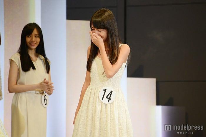 発表の瞬間、涙を流した清原果耶(12)さん