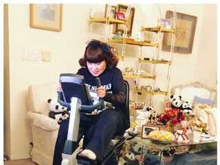 黒柳徹子、自宅での健康維持法を動画で公開 「家でも素敵」「おしゃれ」と話題に