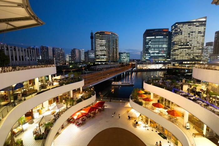 夏の夜を盛り上げる「横浜ベイクォーター」/画像提供:横浜ダイヤビルマネジメント株式会社