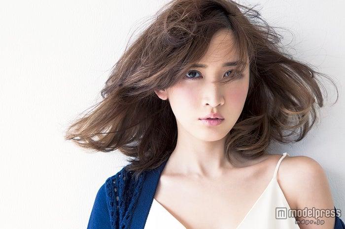 モデル業の本音を明かした紗栄子/「saita」5月号より/画像提供:セブン&アイ出版【モデルプレス】