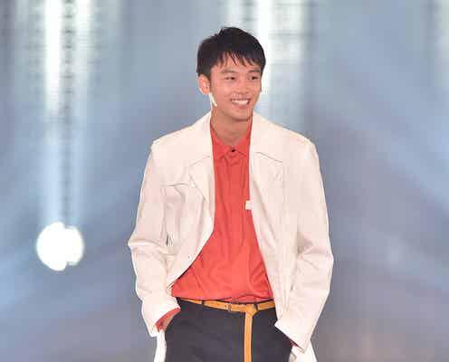竹内涼真のサプライズ登場に会場熱狂「シークレットなんておこがましい!」 白トレンチで「関コレ」降臨<関コレ2016A/W>