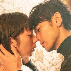 夏帆&妻夫木聡、賛否両論の問題作「Red」映画化 極限の濃密ラブシーンに挑む