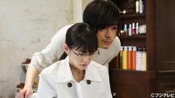 成田凌の笑顔で前髪タッチに女子騒然、反則的行動に「あの距離で触られたら…」