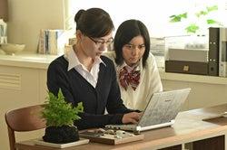 綾瀬はるか、上白石萌歌/「義母と娘のブルース」第9話より(C)TBS