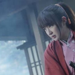 高梨臨、女剣士姿でワンカット長回しの殺陣シーンに挑む 『遺留捜査』ゲスト出演