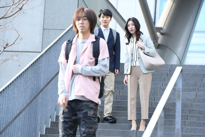 柄本時生、泉澤祐希、吉高由里子/「わたし、定時で帰ります。」より(C)TBS