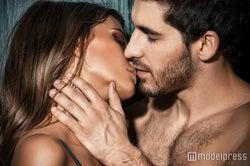 """彼が勃起する""""ハムハムキス""""のやり方5つ ただのキスじゃ足りない…"""