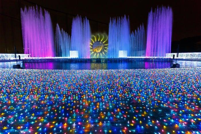 ダイヤモンド・オーロラワールドエリア 、噴水ショー昨年の様子/画像提供:よみうりランド