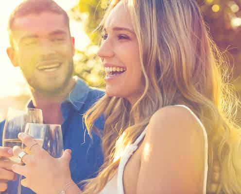 恋愛対象になる!男性がちゃんと、女性として扱う女友達の特徴