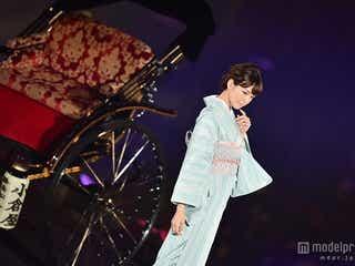 桐谷美玲、大人の色香漂う着物姿で登場 人力車ランウェイ<TGC北九州2015>