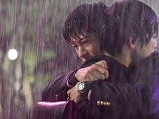 「おっさんずラブ-in the sky-」カップル写真公開 田中圭、ずぶ濡れで千葉雄大抱きしめる