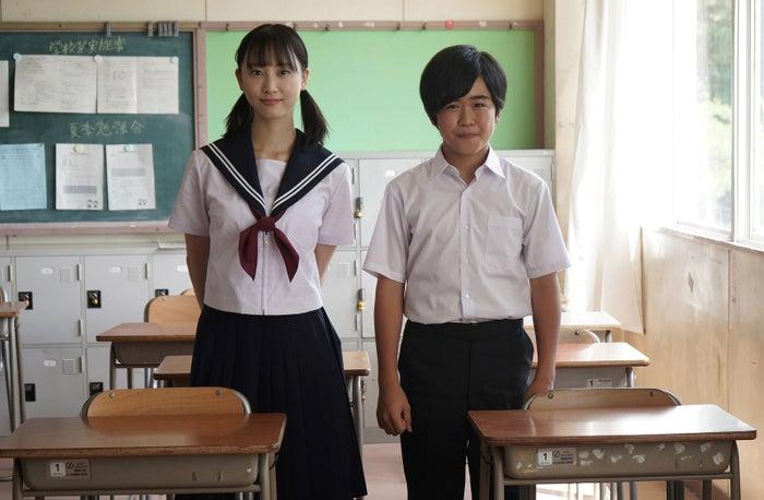 (左から)松井玲奈、鈴木福(画像提供:メ~テレ)