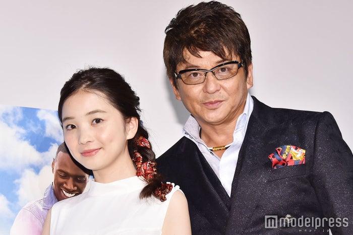 初めての親子イベント共演を果たした福地桃子、哀川翔(C)モデルプレス