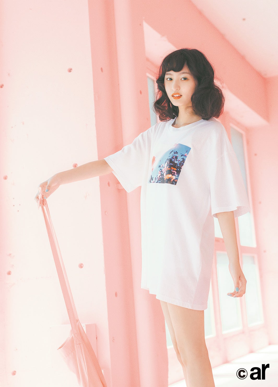 乃木坂46遠藤さくら「ar」初登場 ほっそり美脚にドキッ , モデル
