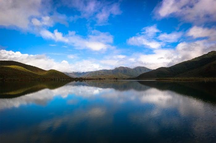 神秘的で美しいヤテ湖(C)S. Bedaux / NCTPS