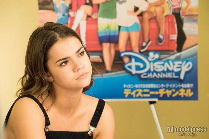 インタビューに応じたマイア・ミッチェル(C)Disney