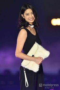 新テラハの美女・中田みのり、堂々ランウェイで抜群スタイル披露<GirlsAward 2015 A/W>