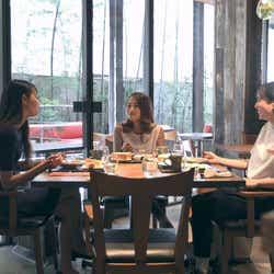 春花、莉咲子、香織「TERRACE HOUSE TOKYO 2019-2020」8th WEEK(C)フジテレビ/イースト・エンタテインメント