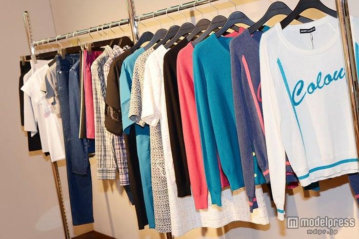 色鮮やかなファッションアイテムを多数展開