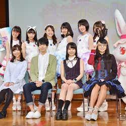 (前列左から)小澤亜李、西山宏太朗、田辺留依、misono(後列左から)MARI、MIMORI、村上来渚、南口奈々、長尾真実、籠谷さくら
