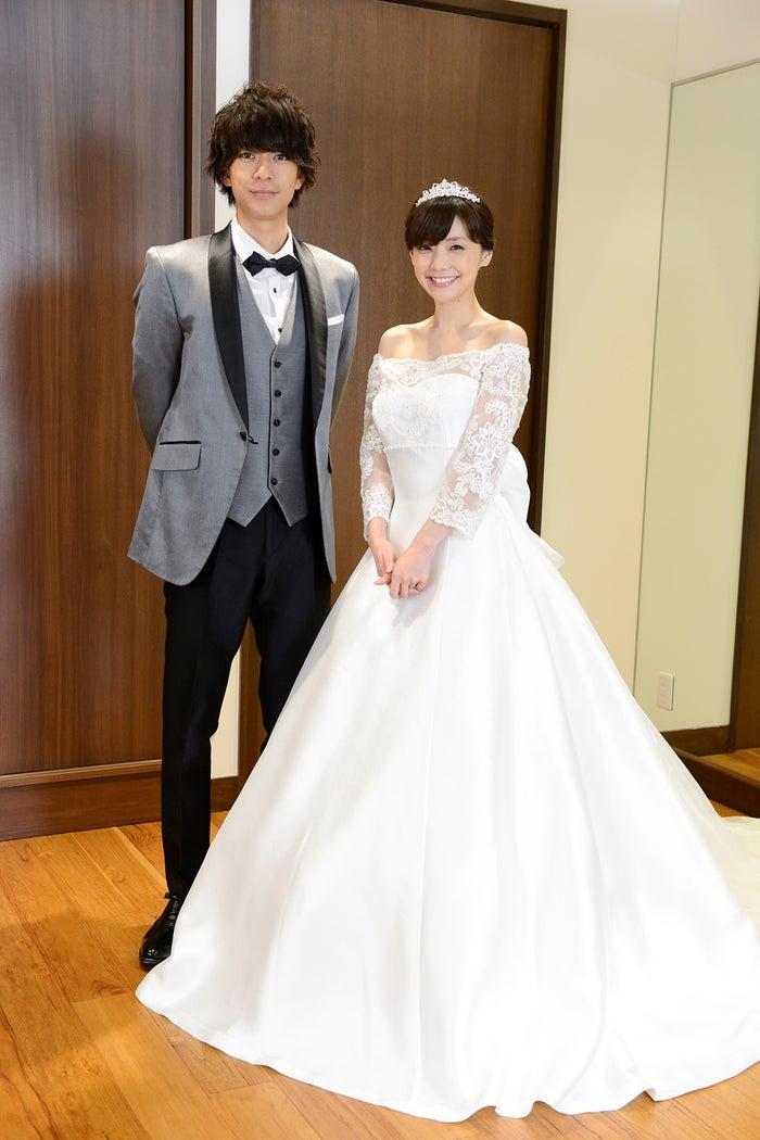 (左から)三浦翔平、倉科カナ(C)テレビ朝日