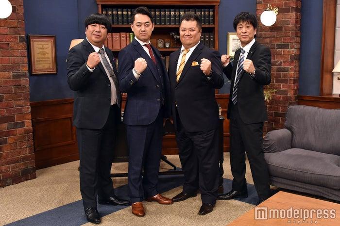 (左から)日村勇紀、設楽統、小杉竜一、吉田敬(C)モデルプレス