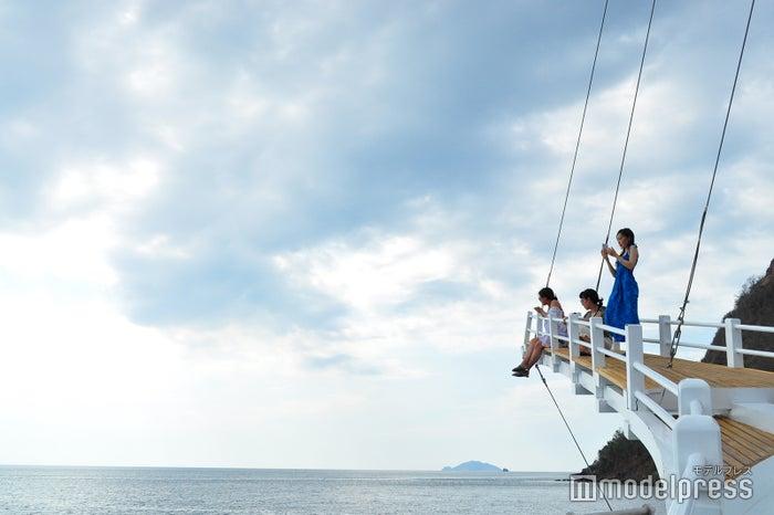 船首へ向かうのはちょっと怖いけれど、そこからはまた格別の景色が(C)モデルプレス