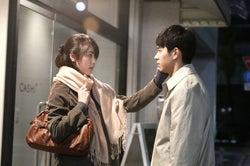 唐田えりか、東出昌大(C)2018 映画「寝ても覚めても」製作委員会