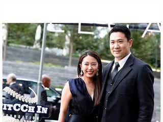 里田まい、胸元大胆黒ドレスで夫・田中将大と2ショット「素敵すぎ」と反響