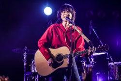 菅田将暉、誕生日は故郷・大阪で過ごす サプライズも<菅田将暉 Premium 1st TOUR 2018>